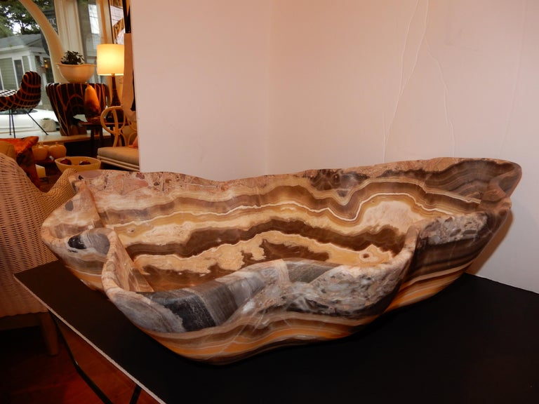 Monumental Artisan Crafted Onyx Bowl or Vessel In Excellent Condition In Bellport, NY