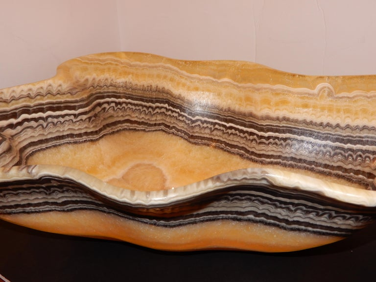 Monumental Artisan Onyx Large Bowl or Vessel In Excellent Condition For Sale In Bellport, NY