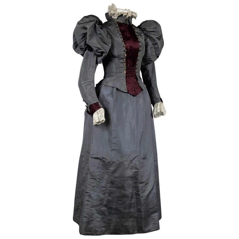 A Mutton Sleeves Silk Day Dress Edwardian Period Circa 1895 For Sale