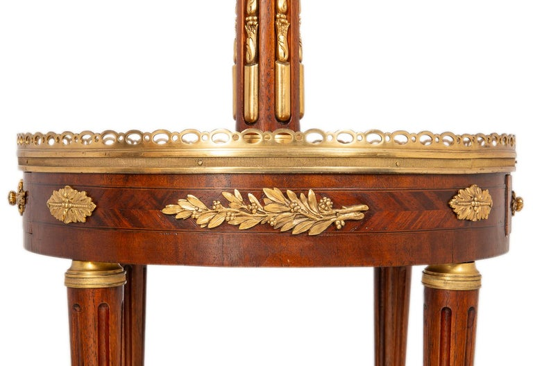 Near Pair of Louis XVI Style Side Tables, circa 1900 In Good Condition For Sale In Brighton, Sussex