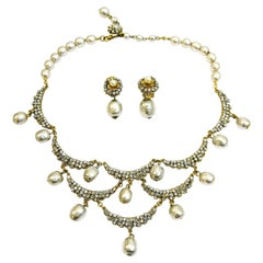A necklace and earrings of gilded metal, paste and baroque pearl, Miriam Haskell