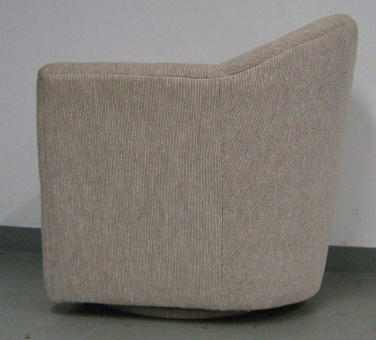 American A Swivel Club Chair in the Manner of Harvey Probber For Sale
