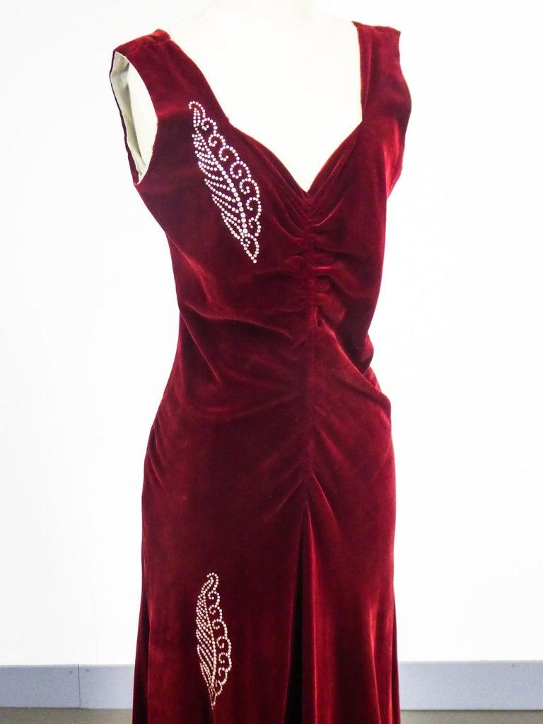 A Nicole Groult / Paul Poiret Evening Dress in Velvet and Rhinestones Circa 1935 For Sale 5