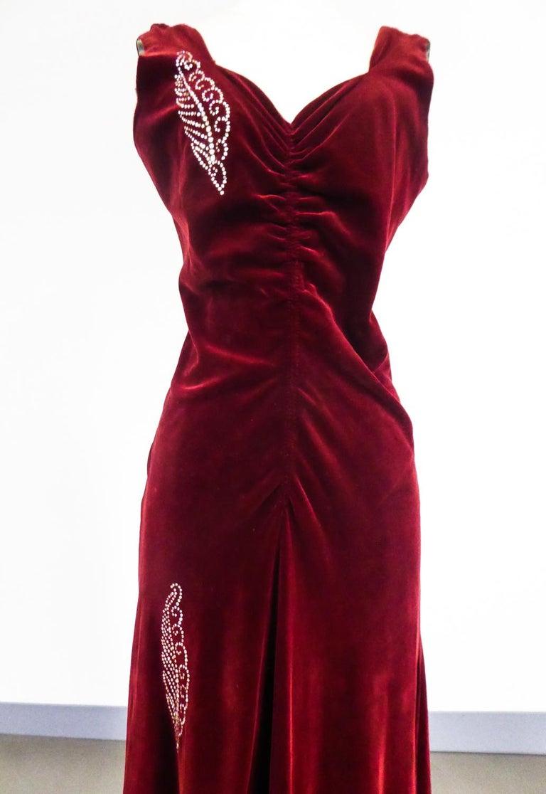 A Nicole Groult / Paul Poiret Evening Dress in Velvet and Rhinestones Circa 1935 For Sale 4