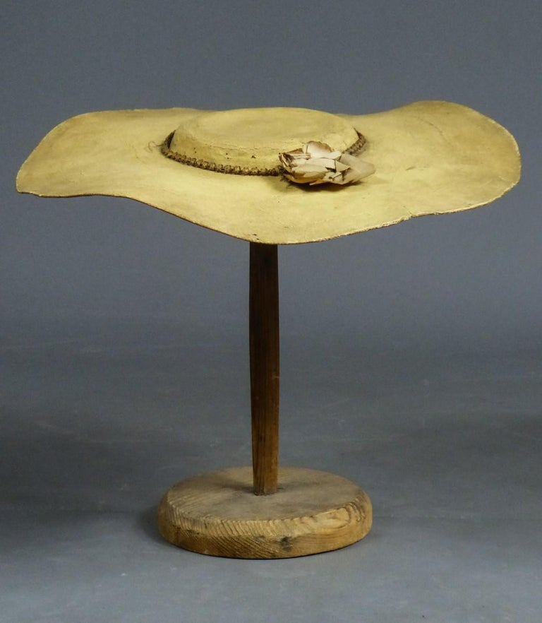 A Painted Straw Bergère or Milkmaid's Hat - Europe Circa 1730-1780 For Sale 7