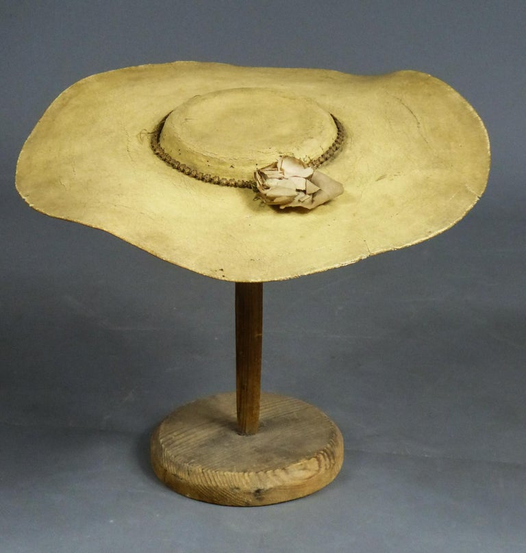 A Painted Straw Bergère or Milkmaid's Hat - Europe Circa 1730-1780 For Sale 8