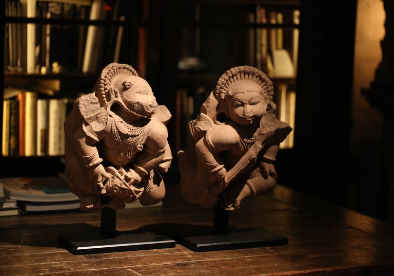 Pair of 12th Century Rajasthan Red Sandstone Figures In Good Condition For Sale In Mosman Park, AU