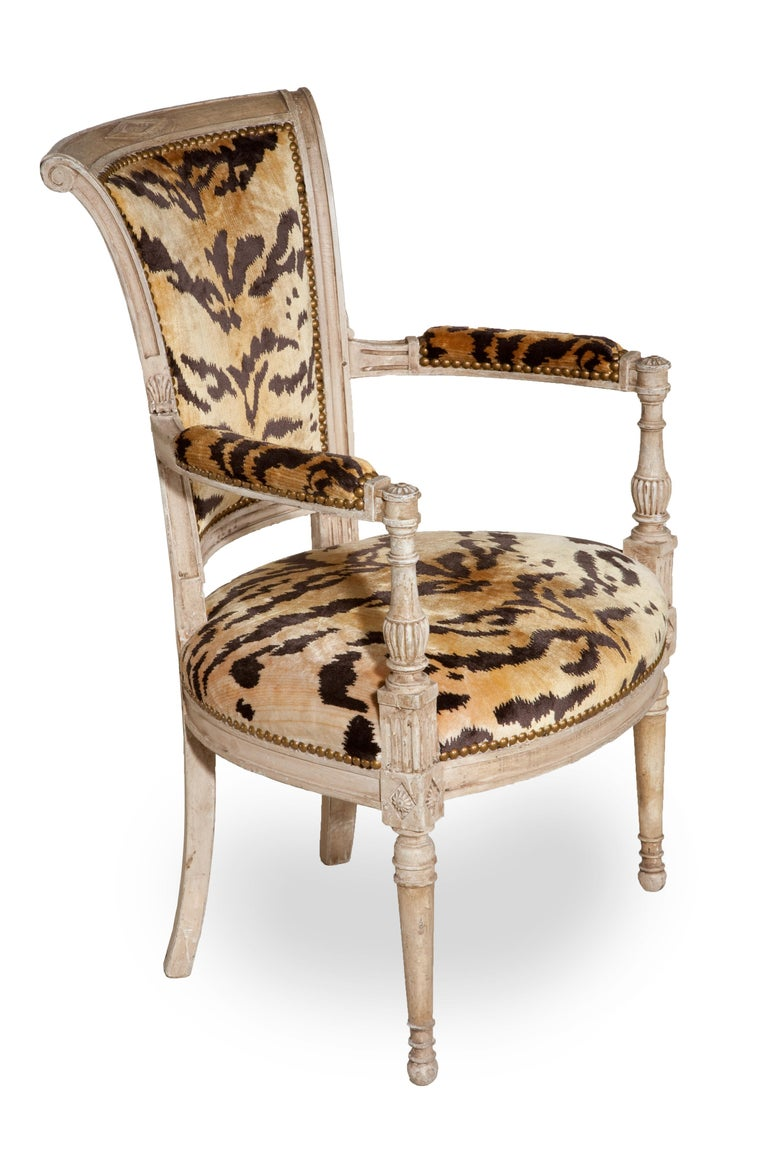 French Pair of 18th Century Louis XVI Painted Armchairs For Sale