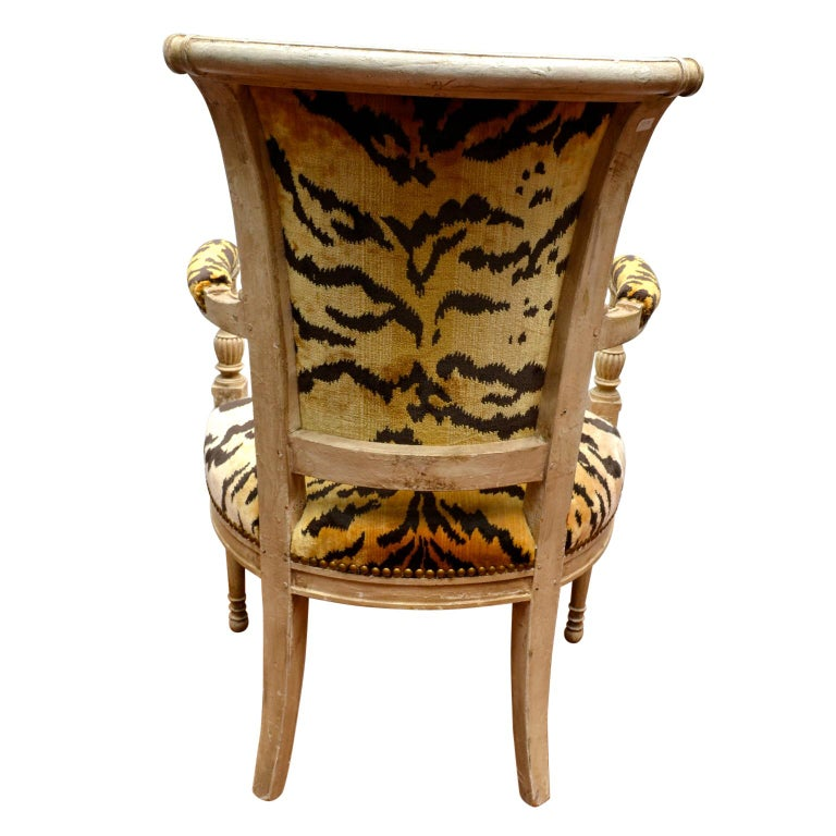 Wood Pair of 18th Century Louis XVI Painted Armchairs For Sale