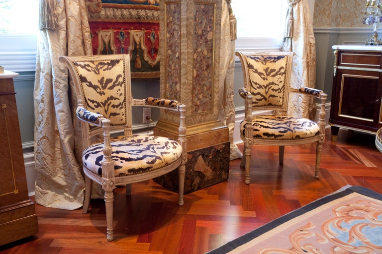 Pair of 18th Century Louis XVI Painted Armchairs For Sale 2