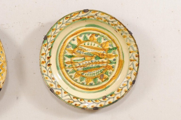 Clay Pair of 18th Century Spanish Majolica Platters, Bird & Leaf Motif in Jewel Tones For Sale