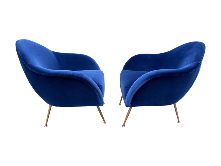 Pair of 1950s Italian Armchairs with Matching Ottomans Reupholstered in Velvet For Sale 6