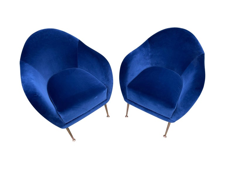 Pair of 1950s Italian Armchairs with Matching Ottomans Reupholstered in Velvet For Sale 8
