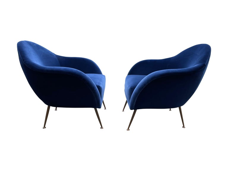 Wood Pair of 1950s Italian Armchairs with Matching Ottomans Reupholstered in Velvet For Sale