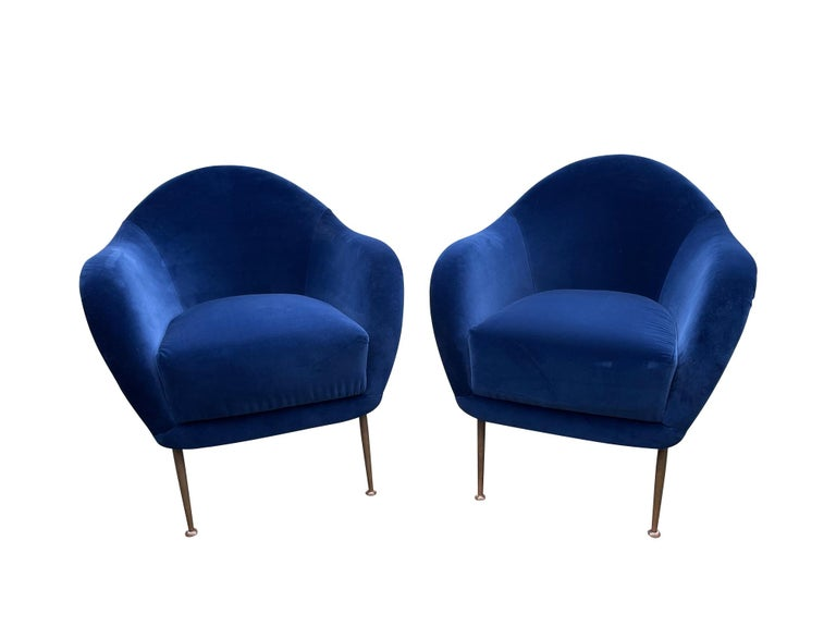 Pair of 1950s Italian Armchairs with Matching Ottomans Reupholstered in Velvet For Sale 2