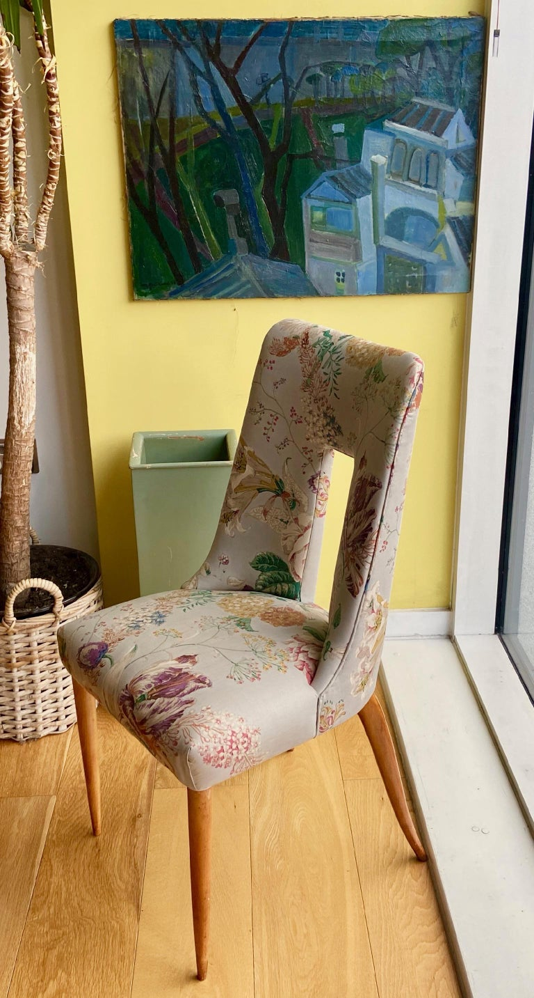 Pair of 1950s Italian Side Chairs, in Flowery Pastel Blue Upholstery For Sale 7