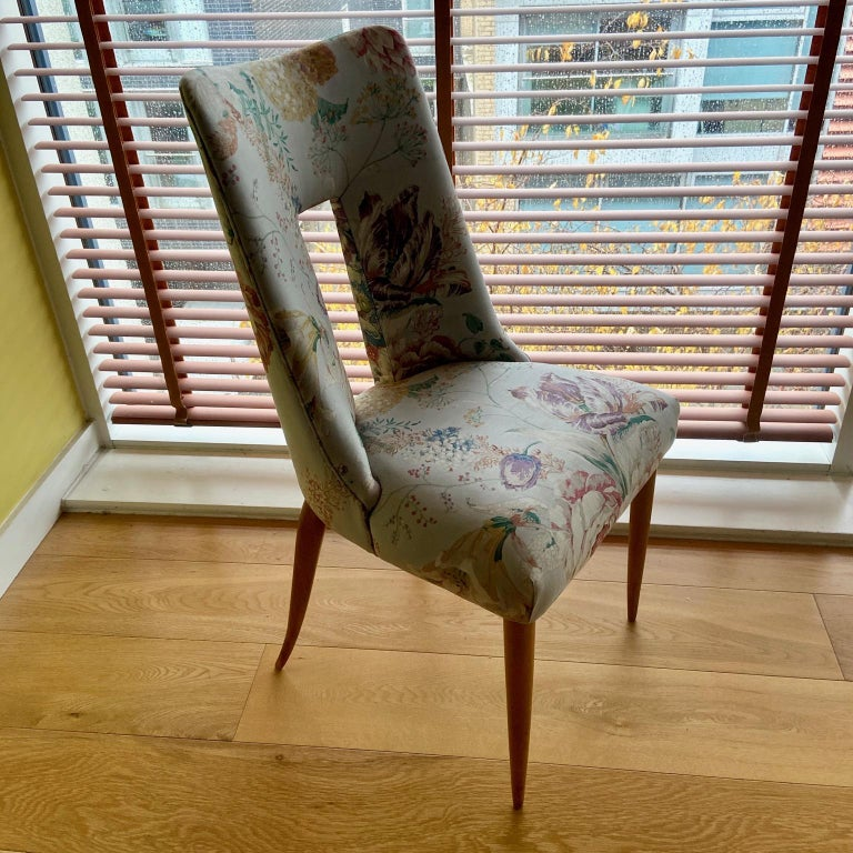 Pair of 1950s Italian Side Chairs, in Flowery Pastel Blue Upholstery For Sale 3
