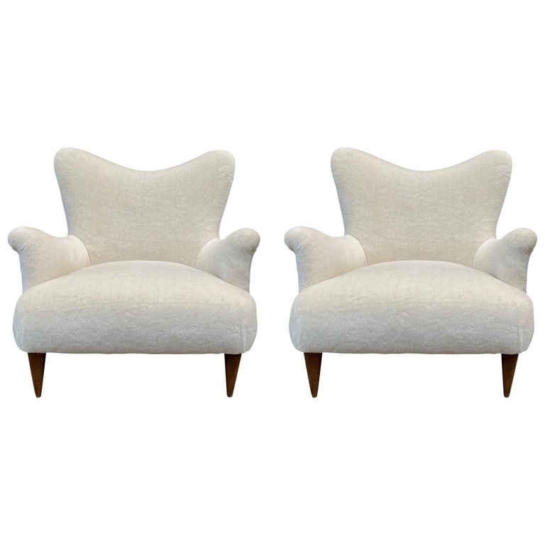 Pair of 1950s Large and Comfortable White Italian Armchairs, Lounge Chairs For Sale