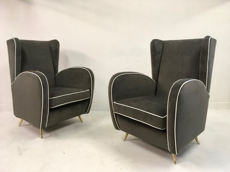 Pair of 1950s Midcentury Italian Armchairs in Grey Velvet For Sale 4