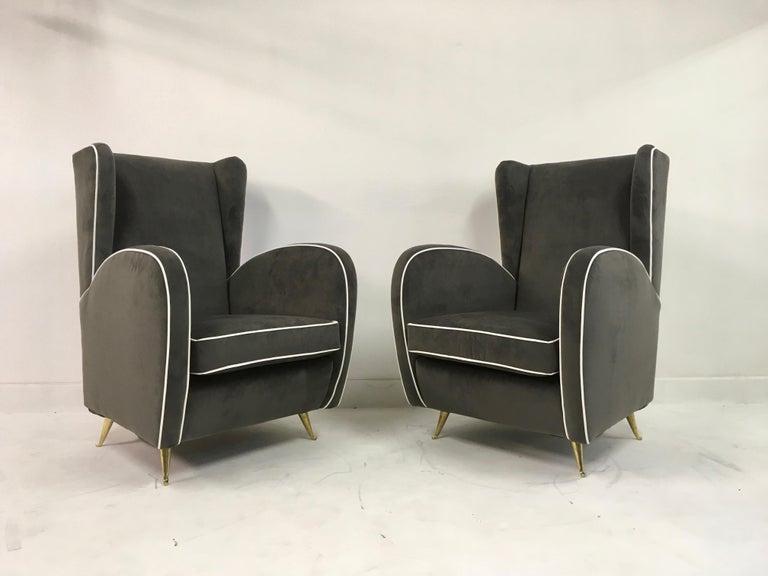 20th Century Pair of 1950s Midcentury Italian Armchairs in Grey Velvet For Sale