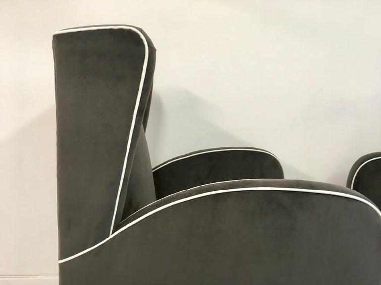 Pair of 1950s Midcentury Italian Armchairs in Grey Velvet For Sale 1