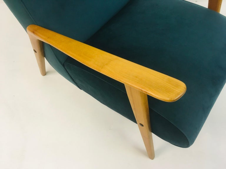 Pair of 1950s Midcentury Italian Armchairs in Teal Velvet In Good Condition For Sale In London, London