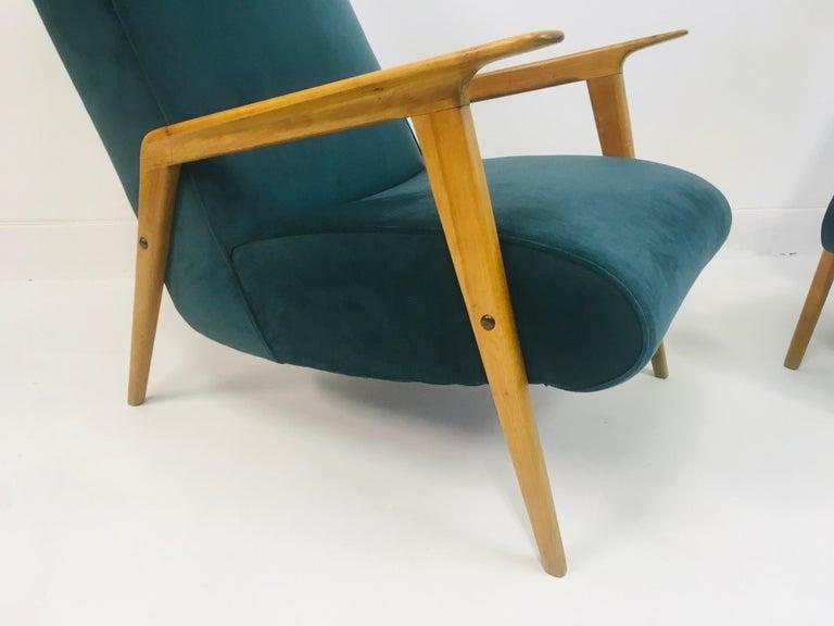 20th Century Pair of 1950s Midcentury Italian Armchairs in Teal Velvet For Sale