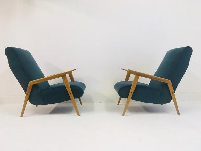 Pair of 1950s Midcentury Italian Armchairs in Teal Velvet For Sale 1