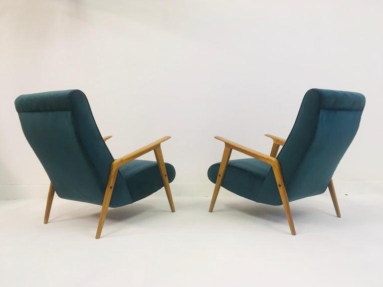 Pair of 1950s Midcentury Italian Armchairs in Teal Velvet For Sale 2
