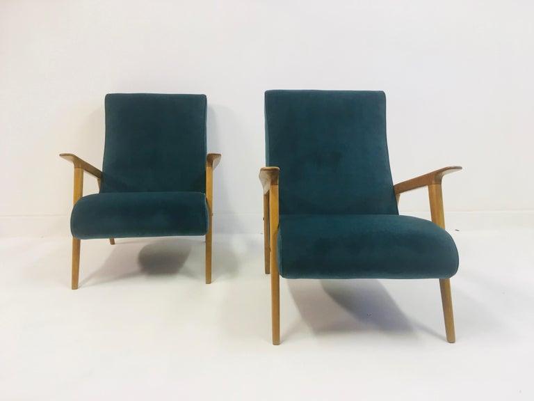 Pair of 1950s Midcentury Italian Armchairs in Teal Velvet For Sale 3