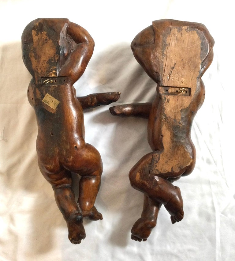 Pair of 19th Century Hand Carved Italian Walnut Cherubs For Sale 4