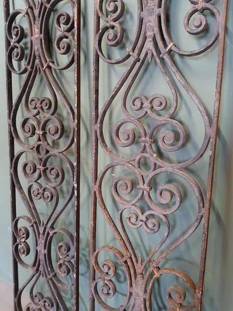Pair of 2 Identical Old French Cast Iron Door Grilles In Good Condition In Raalte, NL