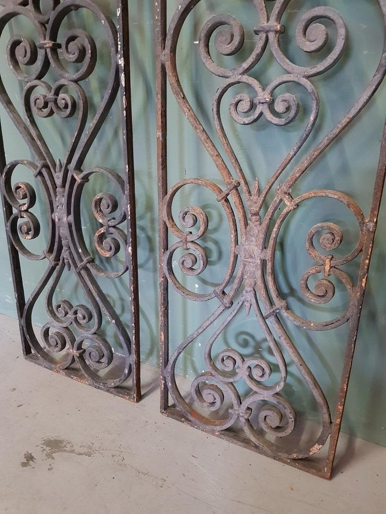 20th Century Pair of 2 Identical Old French Cast Iron Door Grilles