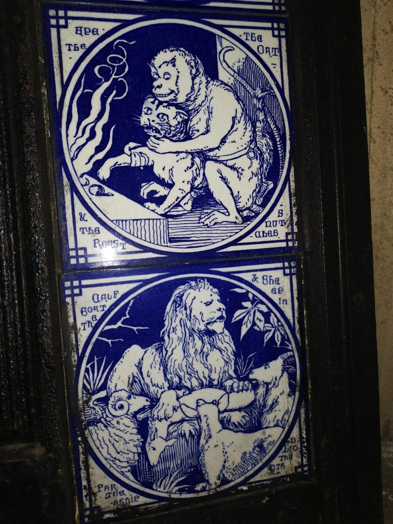 Pair of Aesthetic Movement Cast Fire Inserts with Mintons Aesop's Fables Tiles For Sale 9