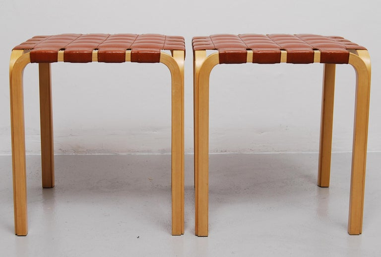 Finnish Pair of Alvar Aalto Y61 Stools with Original Leather Seats For Sale