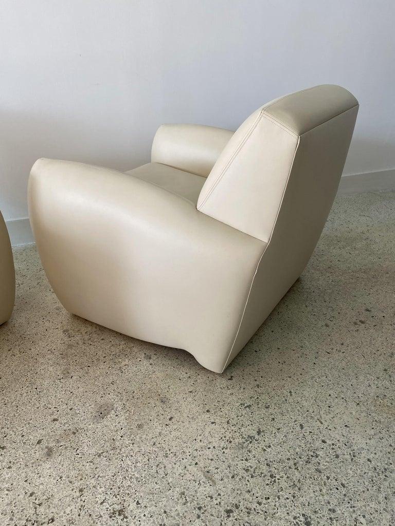 Mid-Century Modern Pair of American Modern Cream Leather Ken Zu Club Chairs, Dakota Jackson For Sale