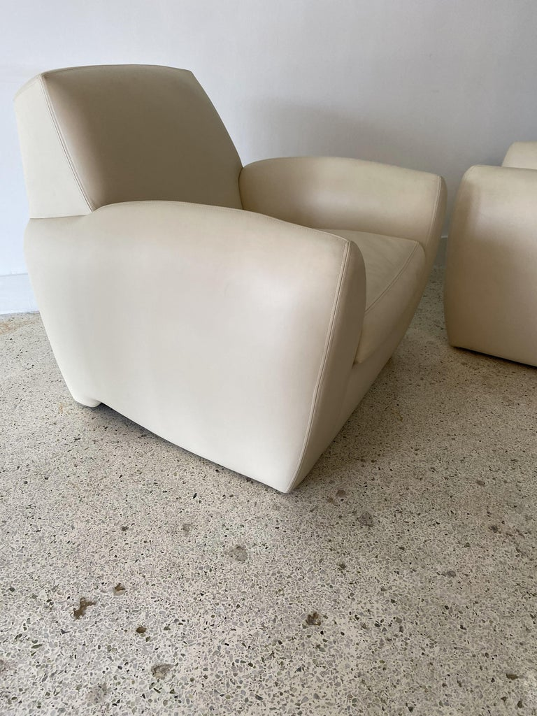 Pair of American Modern Cream Leather Ken Zu Club Chairs, Dakota Jackson In Good Condition For Sale In Hollywood, FL