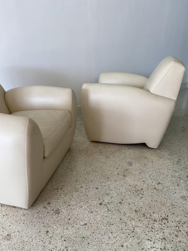 Late 20th Century Pair of American Modern Cream Leather Ken Zu Club Chairs, Dakota Jackson For Sale