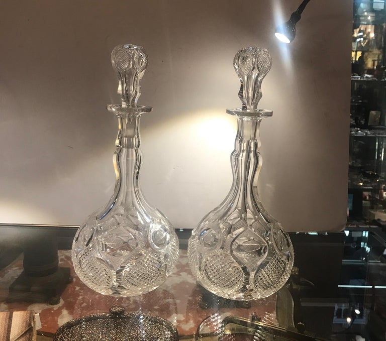 Pair of Antique 19th Century English Cut-Glass Decanters For Sale 3