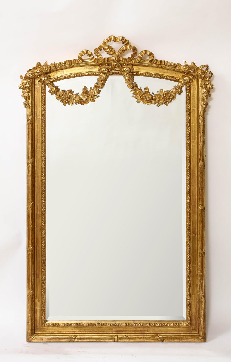 Pair of Antique French Louis XVI Style Hand Carved Giltwood Mirrors In Good Condition For Sale In New York, NY