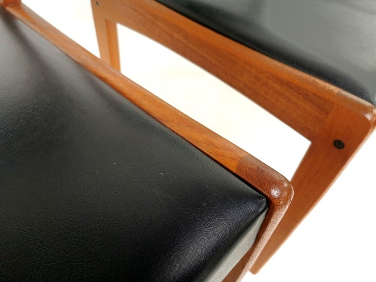 Pair of Brahmin Midcentury Dining Chairs Teak and Black Vinyl, 1960s In Good Condition In STOKE ON TRENT, GB