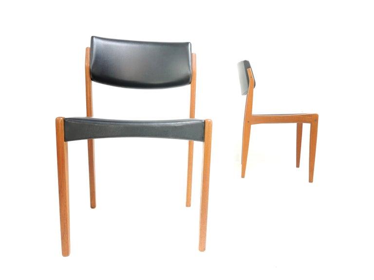 Pair of Brahmin Midcentury Dining Chairs Teak and Black Vinyl, 1960s 2