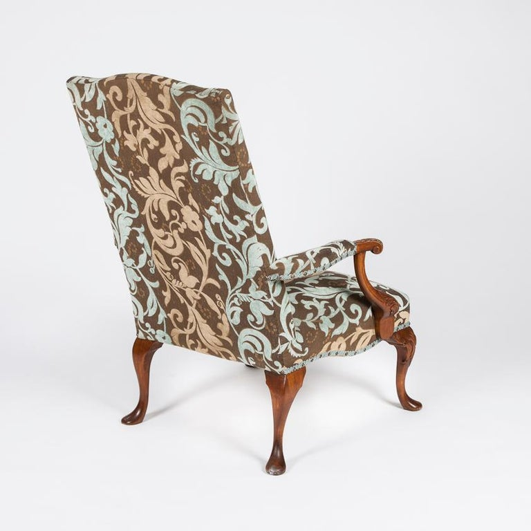 Pair of Carved Beech High Back Open Armchairs with Cabriole Legs and Pad Feet In Good Condition For Sale In London, GB