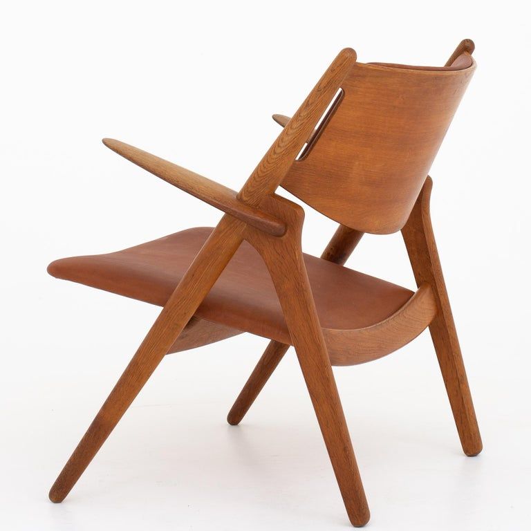 Scandinavian Modern Pair of CH 28 Easy Chairs by Hans J. Wegner For Sale