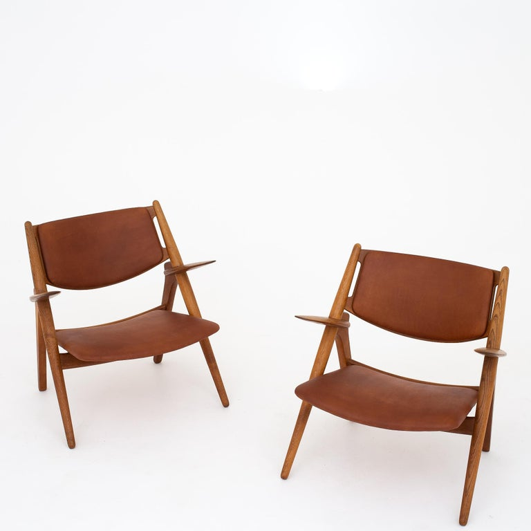 Pair of CH 28 Easy Chairs by Hans J. Wegner For Sale 1