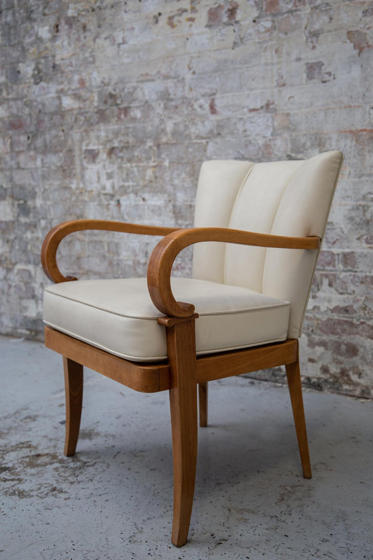 A Pair of Cherrywood Armchairs in the Manner of Jean Pascaud, circa 1940 In Good Condition For Sale In London, GB