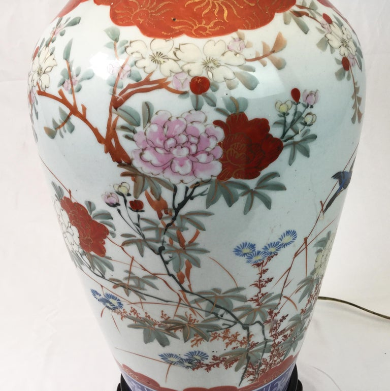 Chinese Export Pair of Chinese Porcelain Lamps For Sale