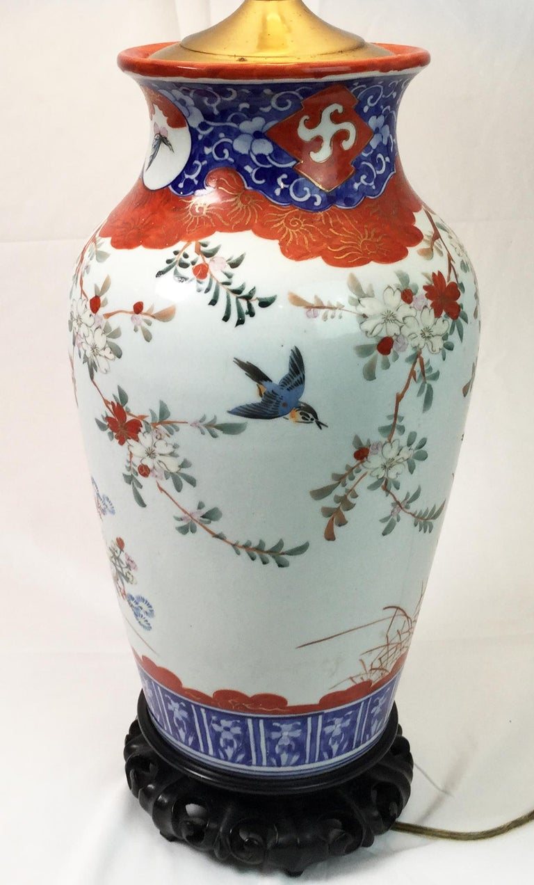 20th Century Pair of Chinese Porcelain Lamps For Sale