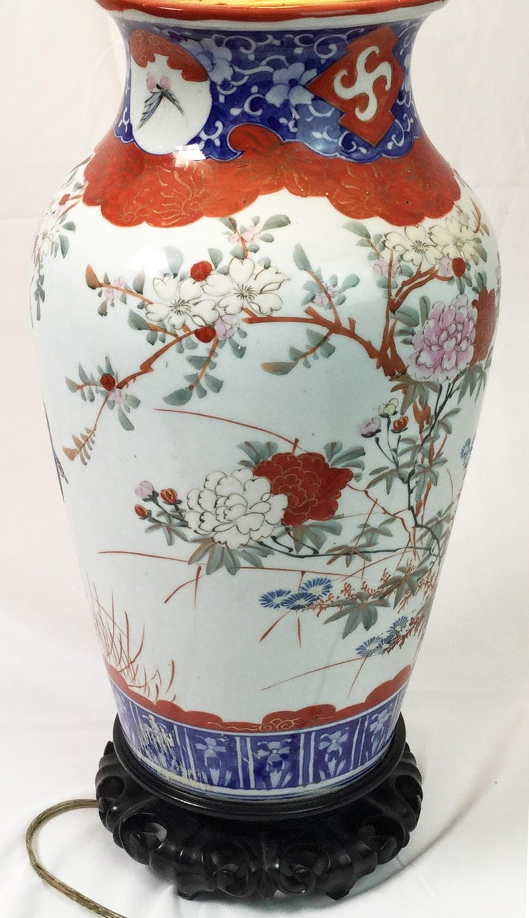 Pair of Chinese Porcelain Lamps For Sale 2