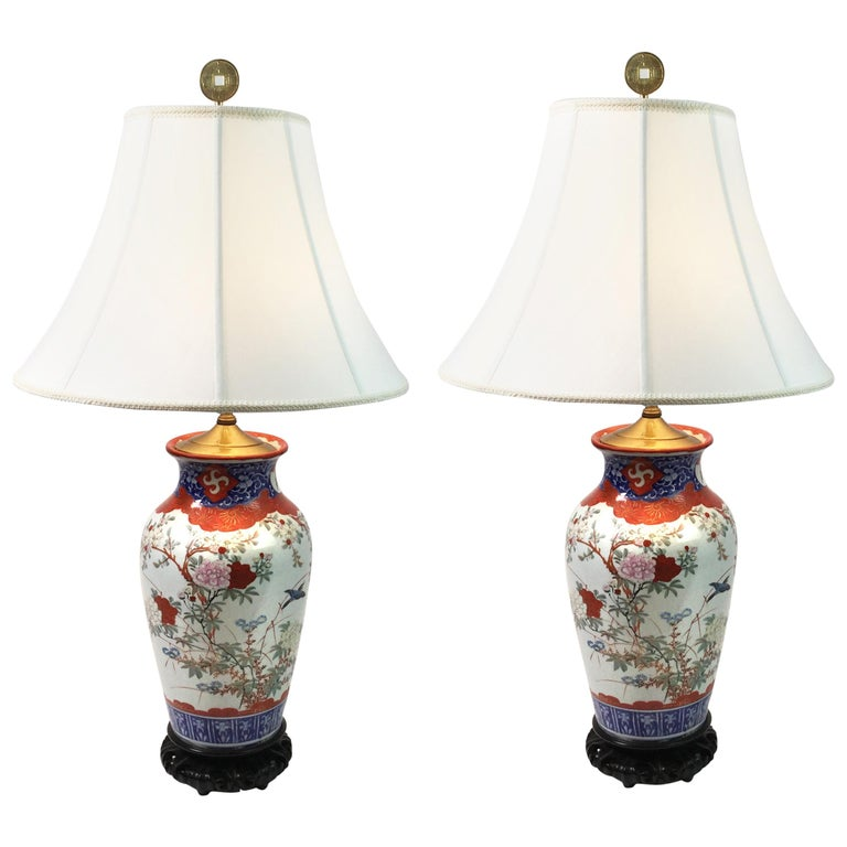 Pair of Chinese Porcelain Lamps For Sale